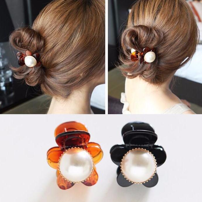 ヘアクリップ 大きめパール お花モチーフ「ヘアアクセサリー 髪飾り 簡単ヘアアレンジ」