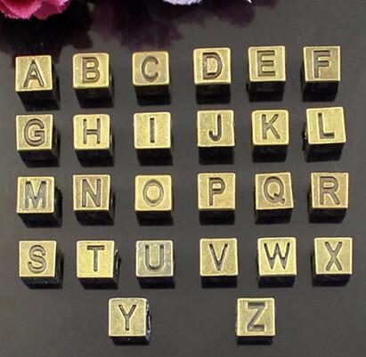 ♪DIYパーツ アクセサリー作製かわいいチャーム ローマ字付き立方体パーツ ハンドメイド ♪petit charm♪