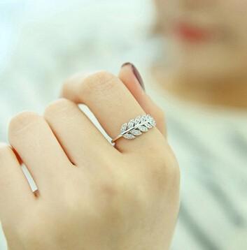 指輪/リング グリンリーフモチーフ ジルコン きらめき 17mm