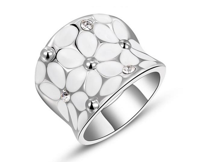 プラチナリング ダイアモンドモチーフ