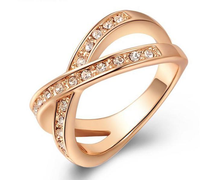 指輪/リング クリスタルとダイアモンドモチーフ ローズゴールド