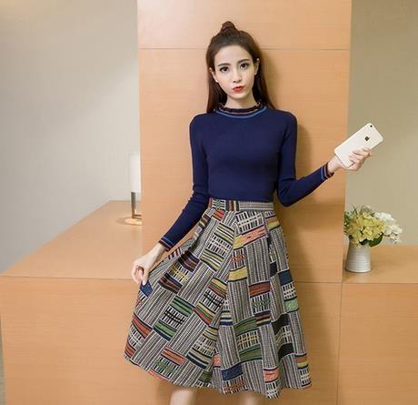 新型丸首ニット長袖领+高腰プリントA字半身スカートファッションスーツスカート