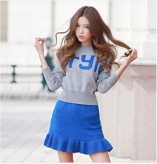 韓国版字母ニットセーター+ミニスカートのスーツのワンピース