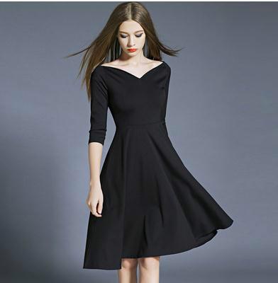 ワンピースのヘップバーンの優雅なフレアーの小さく黒いスカート